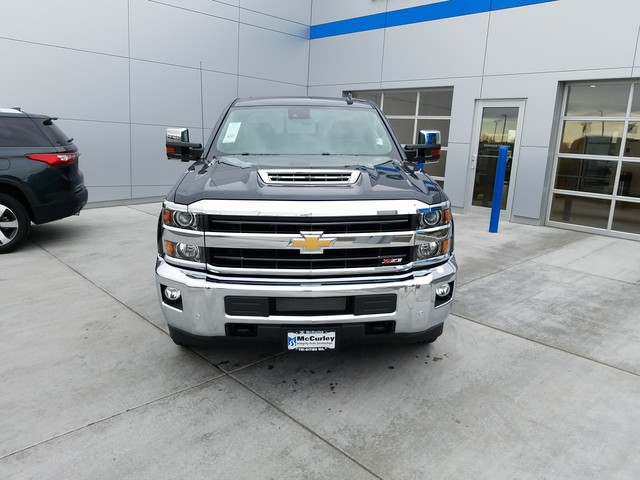 2018 Silverado 2500 Crew Cab 4x4, Pickup #CHJ459 - photo 2
