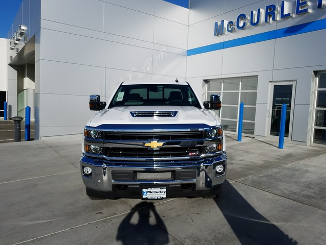 2018 Silverado 2500 Crew Cab 4x4, Pickup #CHJ460 - photo 3