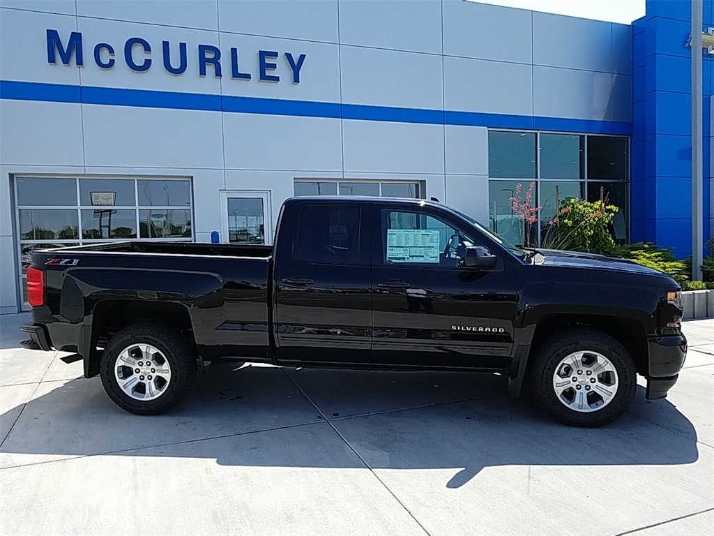 2018 Silverado 1500 Double Cab 4x4,  Pickup #CHJ828 - photo 3