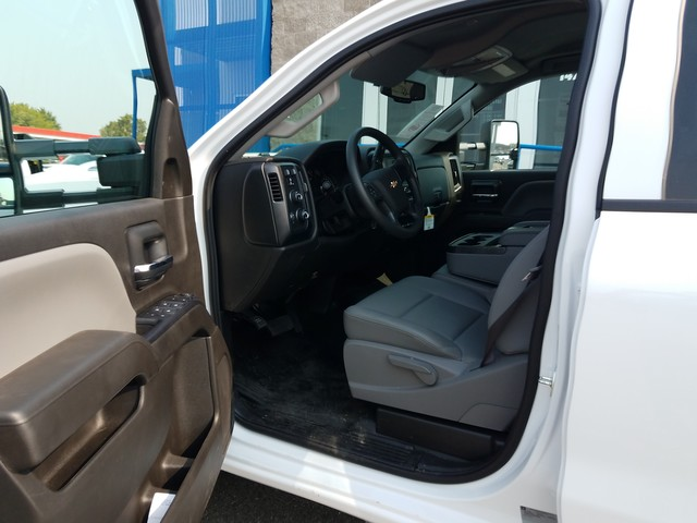 2017 Silverado 3500 Crew Cab 4x4, Harbor Service Body #FCHH1142 - photo 4