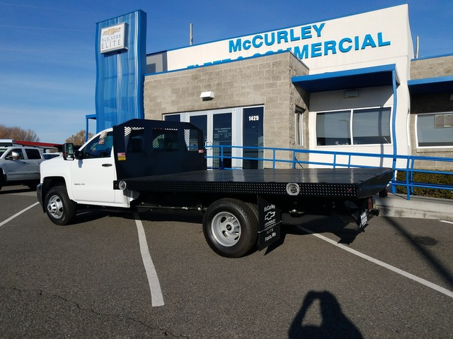2017 Silverado 3500 Regular Cab 4x4 Platform Body #FCHH1148 - photo 2