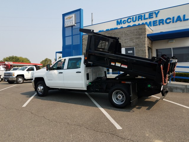 2017 Silverado 3500 Crew Cab DRW 4x4, Dump Body #FCHH1196 - photo 3
