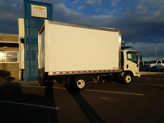 2017 LCF 4500XD Regular Cab, Dry Freight #FCHH1269 - photo 3