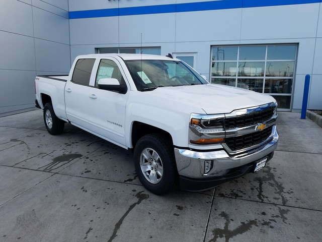 2018 Silverado 1500 Crew Cab 4x4, Pickup #FCHJ312 - photo 3