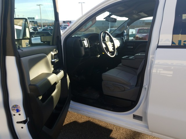 2018 Silverado 3500 Crew Cab 4x4, Platform Body #FCHJ338 - photo 5