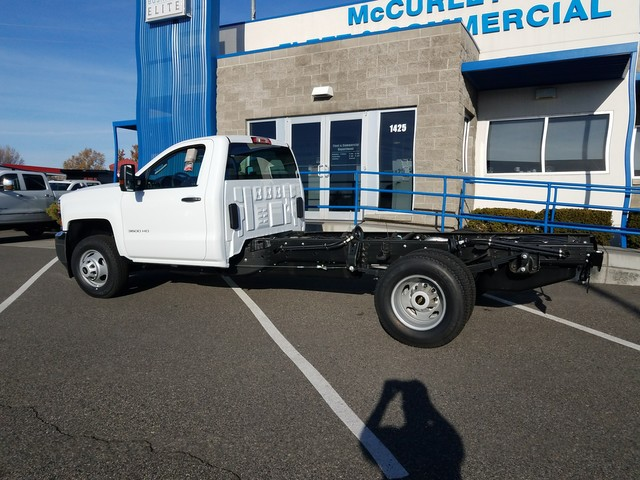 2018 Silverado 3500 Regular Cab 4x4 Cab Chassis #FCHJ61 - photo 2