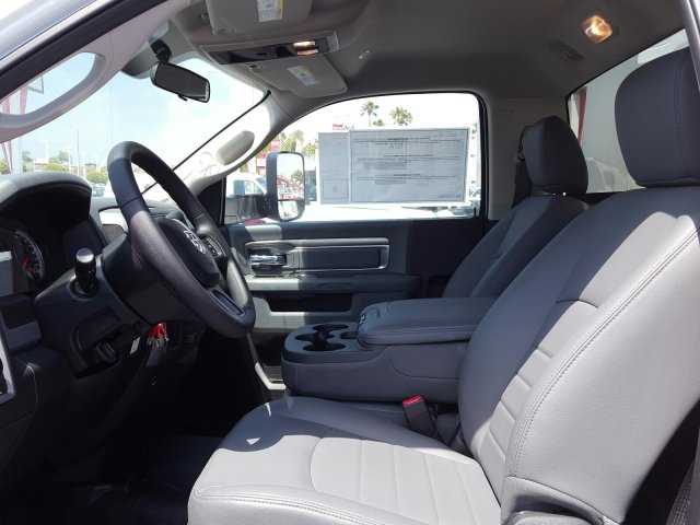 2017 Ram 4500 Regular Cab DRW, Service Utility Van #D1977 - photo 9