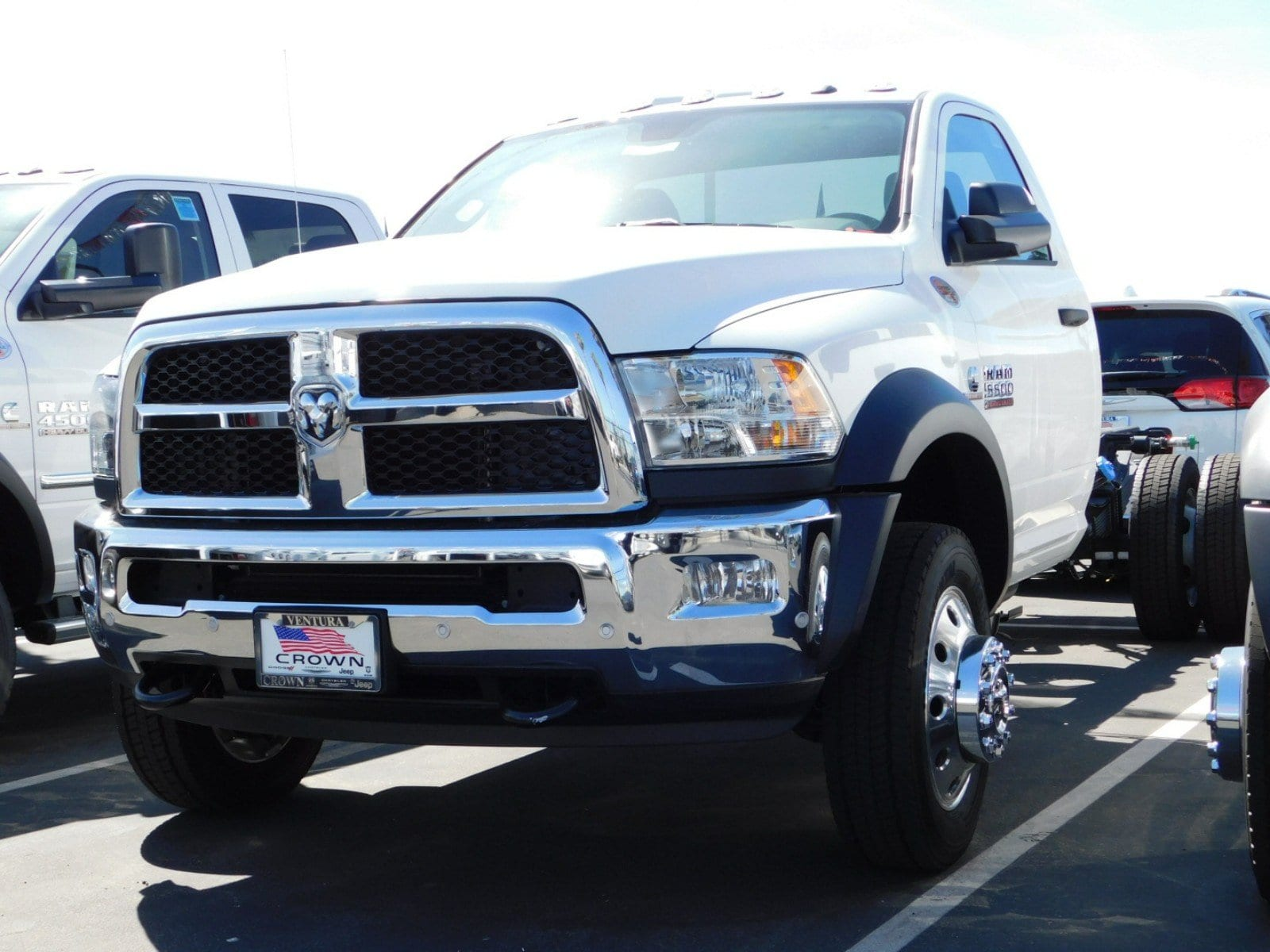 2018 Ram 5500 Regular Cab DRW, Cab Chassis #E1884 - photo 3
