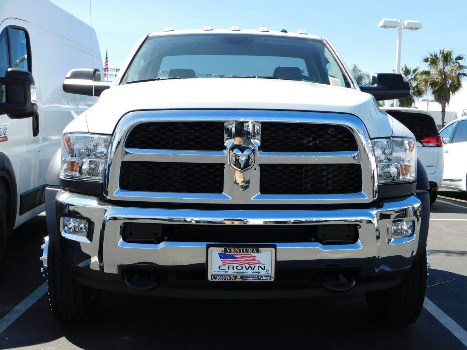 2018 Ram 5500 Regular Cab DRW, Cab Chassis #E1974 - photo 3