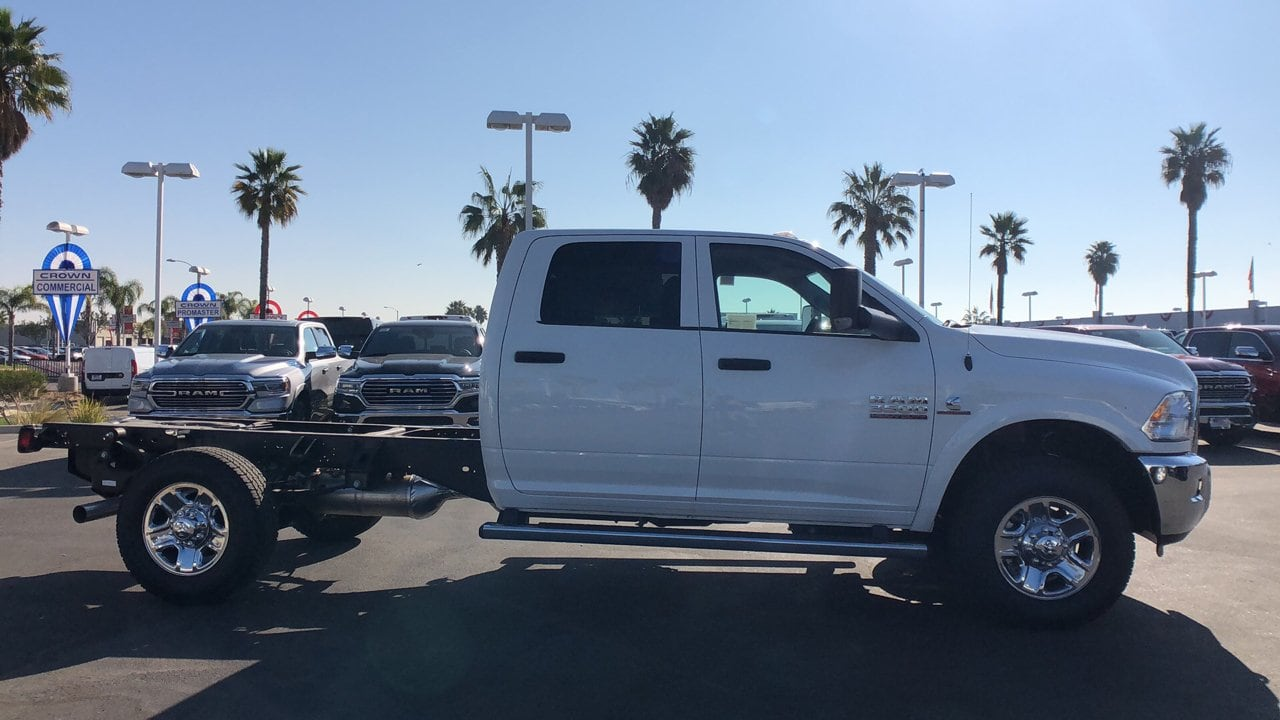 2018 Ram 3500 Crew Cab 4x2,  Cab Chassis #E2970 - photo 5