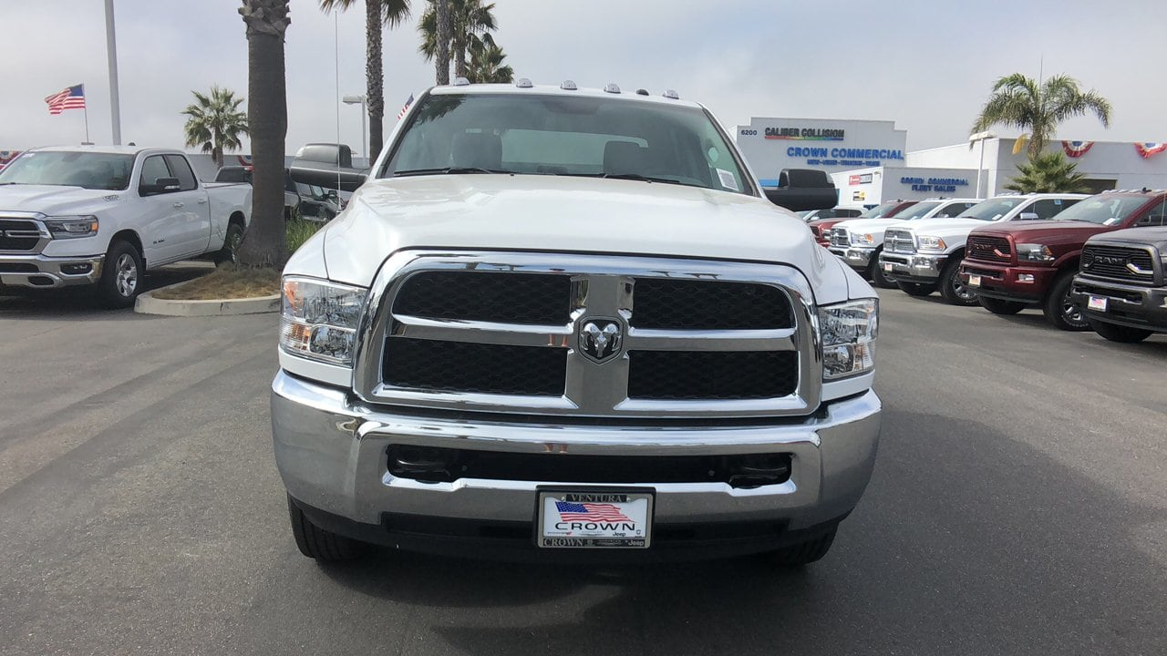 2018 Ram 3500 Crew Cab DRW 4x4,  Pickup #E2983 - photo 3