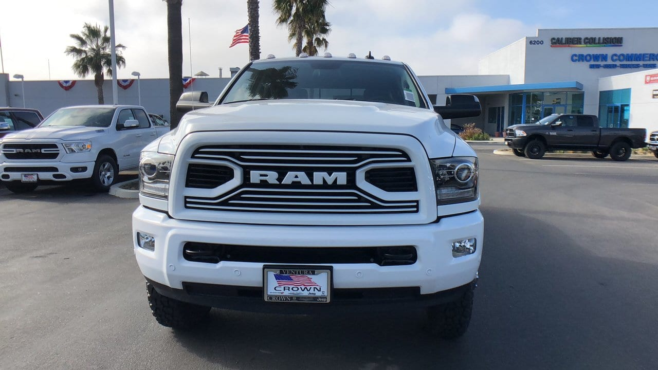 2018 Ram 3500 Crew Cab DRW 4x4,  Pickup #E3067 - photo 3