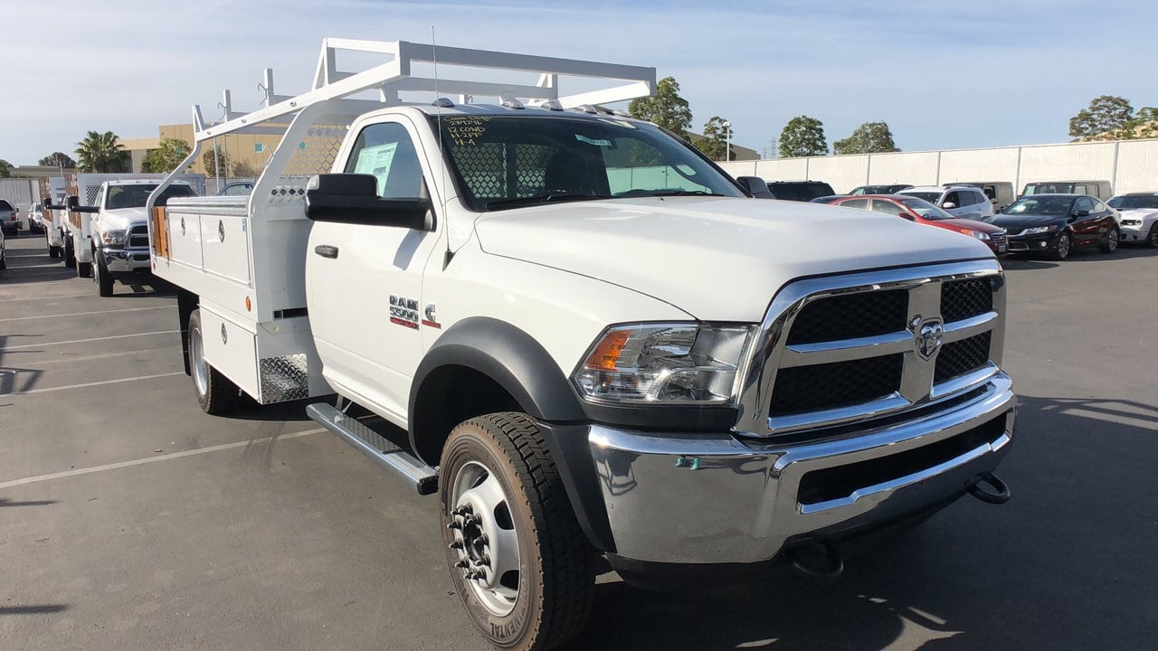 2018 Ram 5500 Regular Cab DRW 4x2,  Royal Contractor Body #E3164 - photo 4