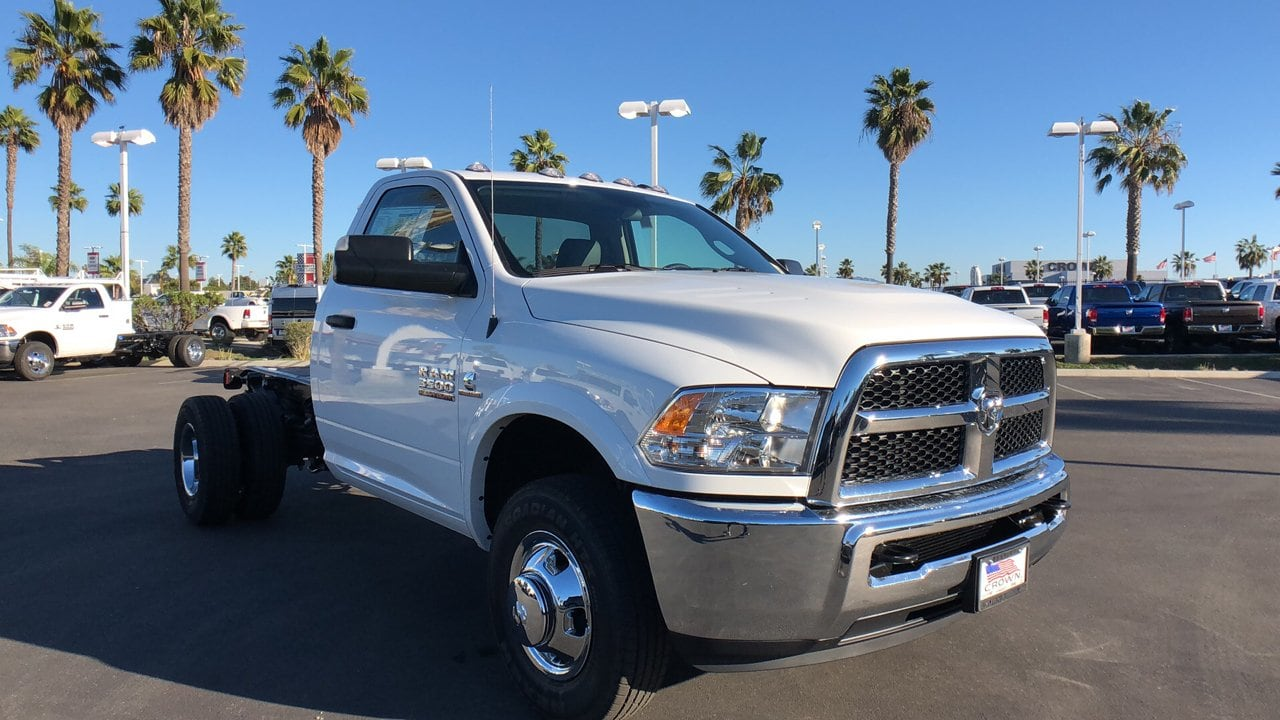 2018 Ram 3500 Regular Cab DRW 4x2,  Cab Chassis #E3200 - photo 4