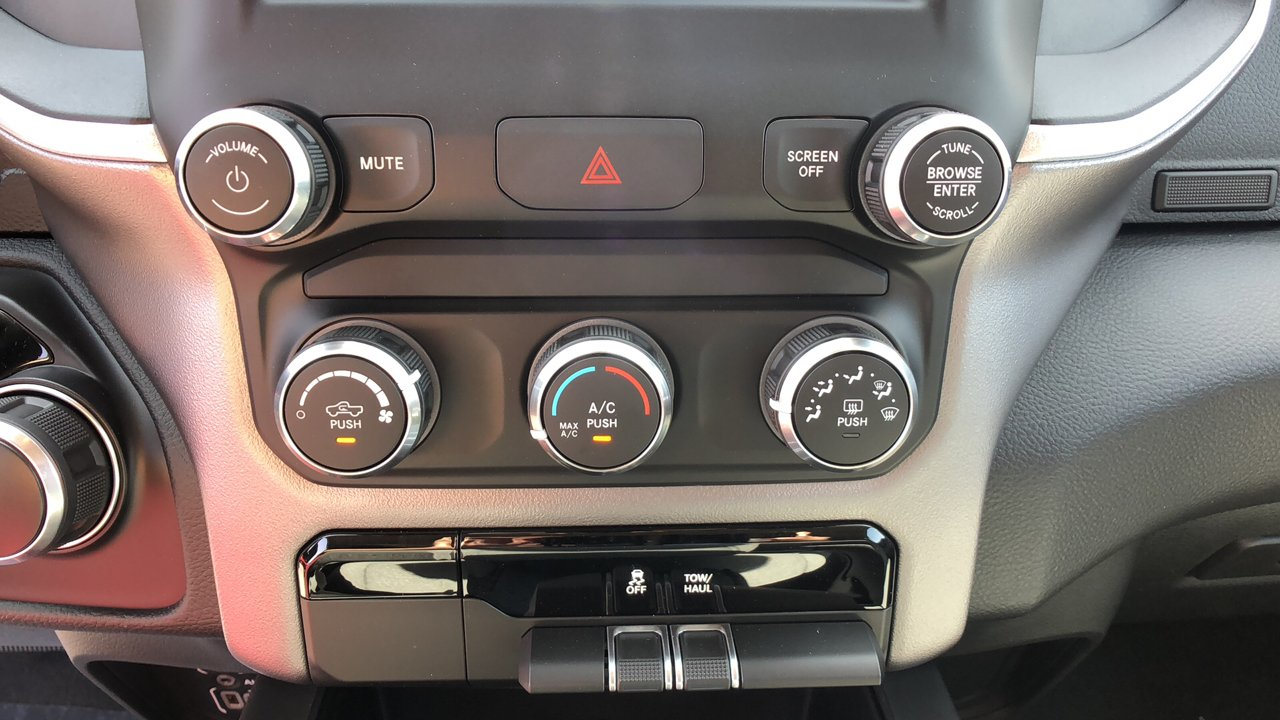 2019 Ram 1500 Crew Cab 4x2,  Pickup #G1199 - photo 26