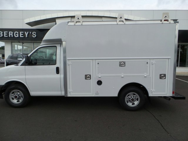 2017 Savana 3500, Supreme Cutaway Van #75464 - photo 2
