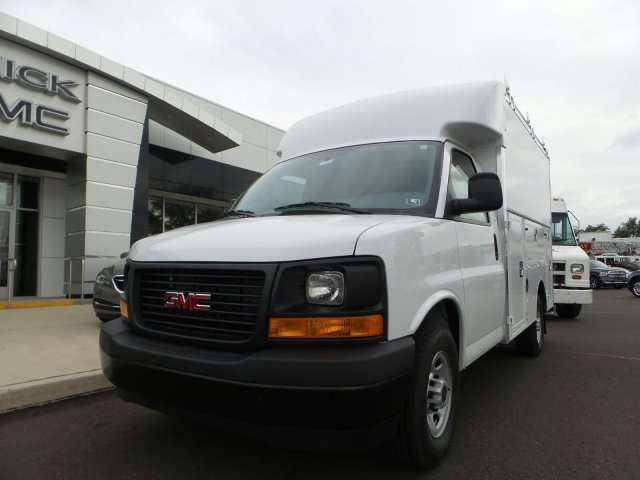 2017 Savana 3500, Supreme Cutaway Van #75464 - photo 23