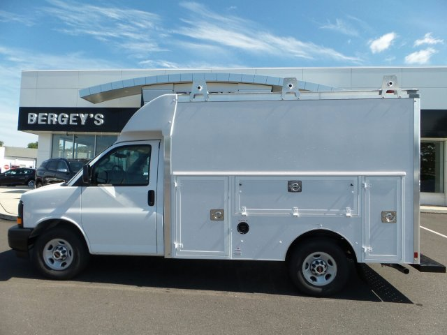 2017 Savana 3500, Supreme Service Utility Van #75466 - photo 2