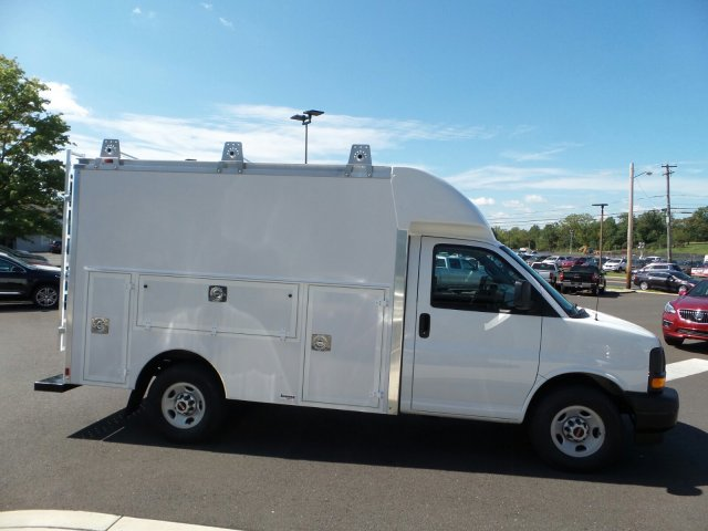 2017 Savana 3500, Supreme Service Utility Van #75466 - photo 5