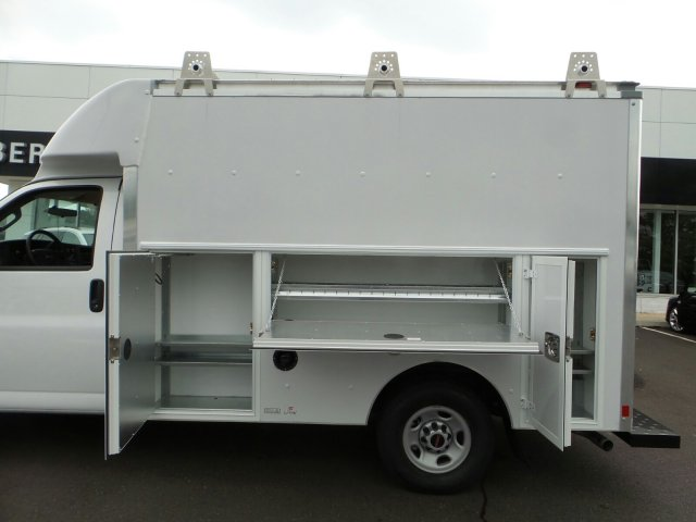 2017 Savana 3500, Supreme Cutaway Van #75467 - photo 23