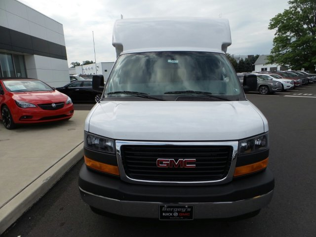 2017 Savana 3500, Supreme Cutaway Van #75467 - photo 3