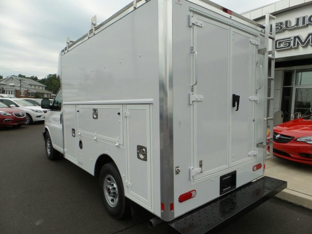2017 Savana 3500, Supreme Cutaway Van #75473 - photo 2