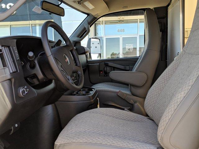2020 GMC Savana 3500 RWD, Cutaway Van #77919 - photo 13