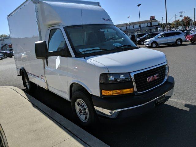 2020 GMC Savana 3500 RWD, Cutaway Van #77919 - photo 4