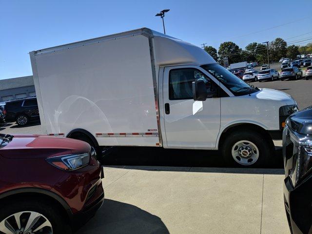 2020 GMC Savana 3500 RWD, Cutaway Van #77919 - photo 5