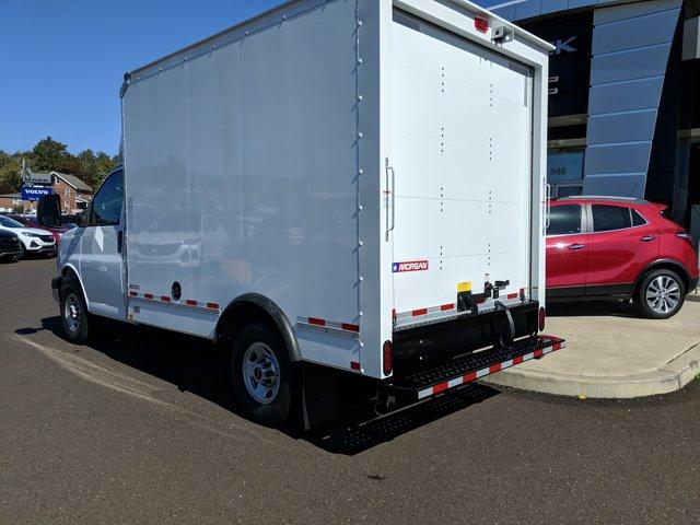 2020 GMC Savana 3500 RWD, Cutaway Van #77919 - photo 2