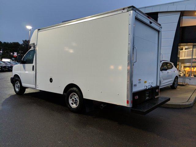 2020 GMC Savana 3500 4x2, Supreme Cutaway Van #77925 - photo 1