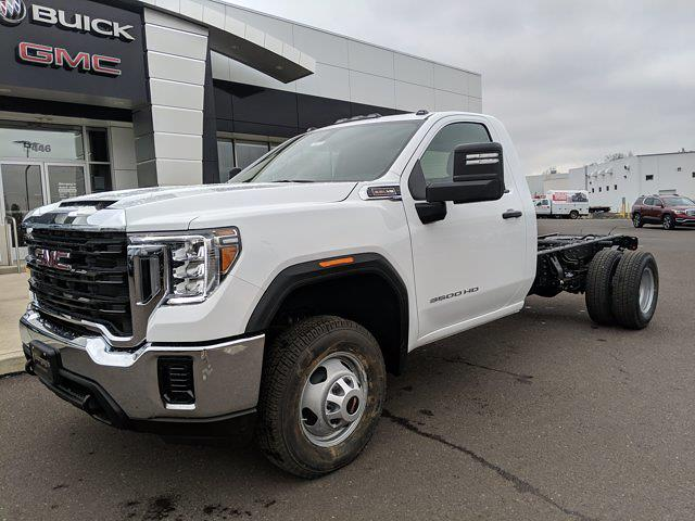 2021 GMC Sierra 3500 Regular Cab 4x4, Cab Chassis #78219 - photo 23