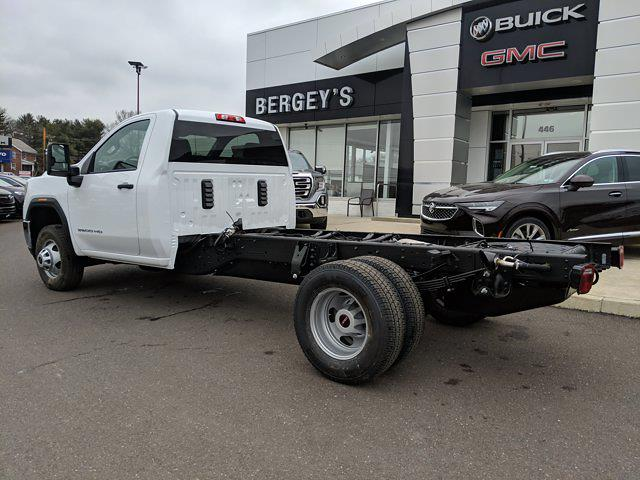 2021 GMC Sierra 3500 Regular Cab 4x4, Cab Chassis #78219 - photo 2