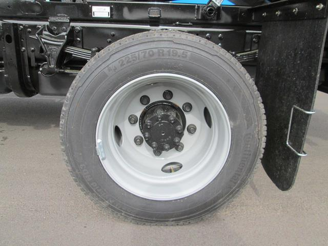 2021 Silverado 6500 Regular Cab DRW 4x4,  Duramag Dump Body #31185 - photo 12