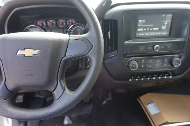 2019 Silverado 5500 Regular Cab DRW 4x2, Reading SL Service Body #19C1010 - photo 6