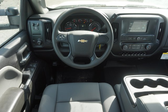 2019 Silverado 2500 Double Cab 4x2,  Reading Service Body #19C320 - photo 11