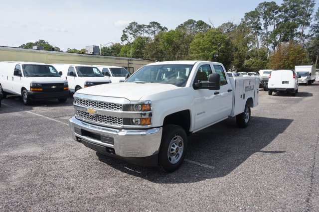 2019 Silverado 2500 Double Cab 4x2,  Reading Service Body #19C348 - photo 3