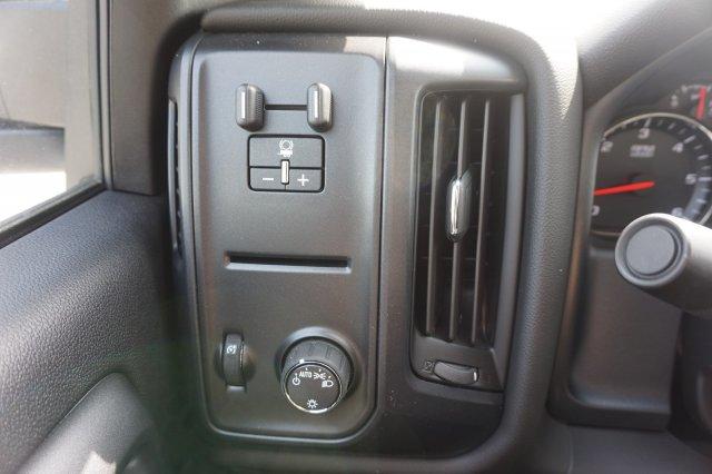 2019 Silverado 2500 Double Cab 4x2,  Reading SL Service Body #19C348 - photo 18