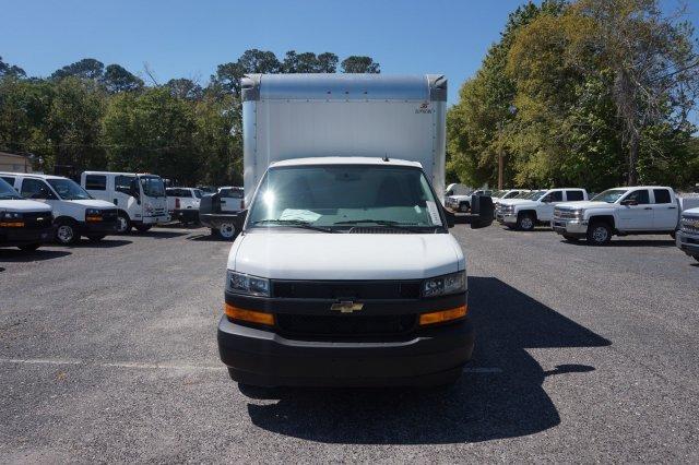 2019 Express 4500 4x2, Supreme Iner-City Cutaway Van #19G27 - photo 4