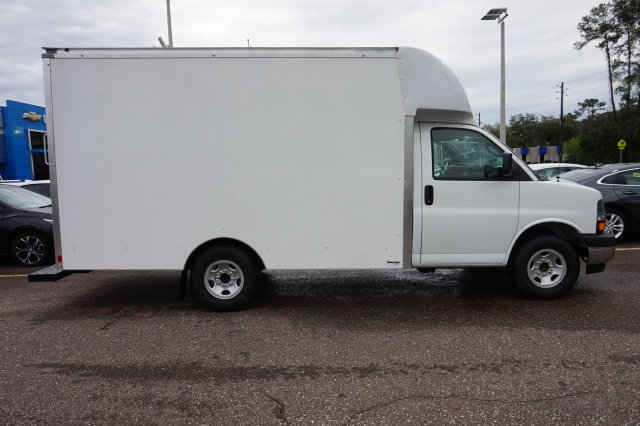 2019 Express 3500 4x2, Supreme Spartan Cargo Cutaway Van #19G99 - photo 5
