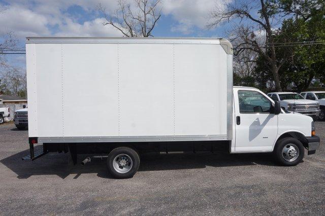 2018 Express 3500 4x2,  Rockport Cutaway Van #8G120 - photo 7