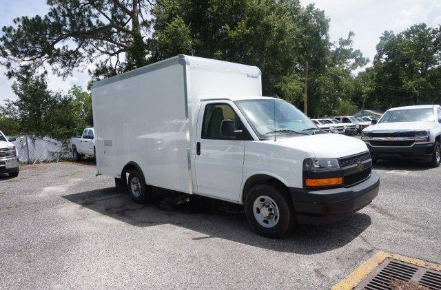 2018 Express 3500 4x2,  Rockport Cutaway Van #8G28 - photo 5