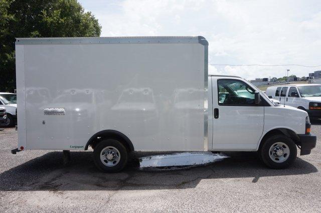 2018 Express 3500 4x2,  Rockport Cutaway Van #8G28 - photo 6