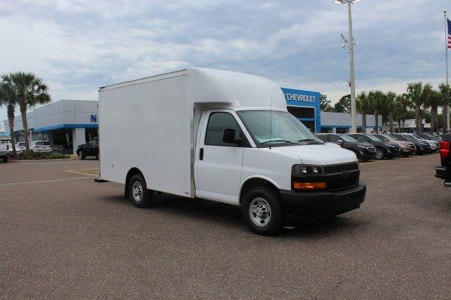 2018 Express 3500 4x2,  Supreme Cutaway Van #8G30 - photo 5