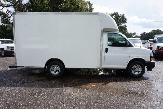 2018 Express 3500 4x2,  Supreme Spartan Cargo Cutaway Van #8G36 - photo 3