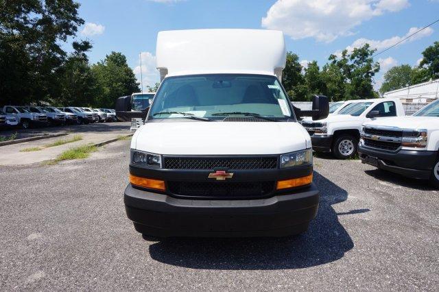 2018 Express 3500 4x2,  Supreme Cutaway Van #8G45 - photo 3