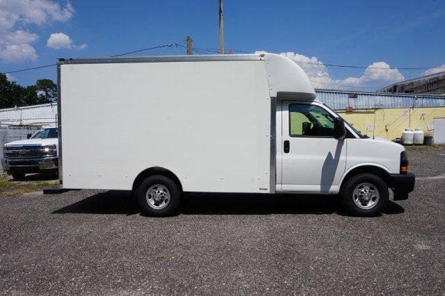 2018 Express 3500 4x2,  Supreme Cutaway Van #8G45 - photo 2