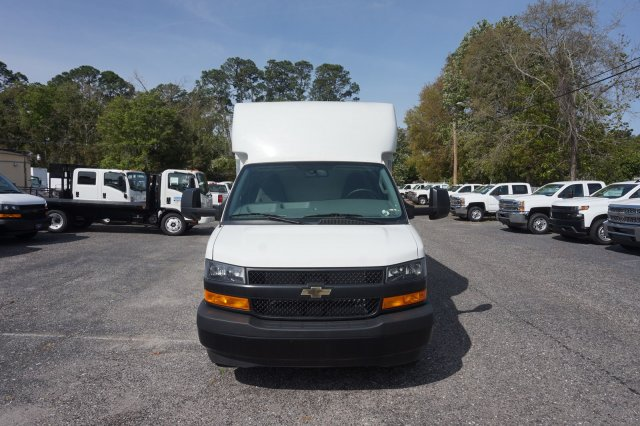 2018 Express 3500 4x2,  Supreme Spartan Cargo Cutaway Van #8G49 - photo 4