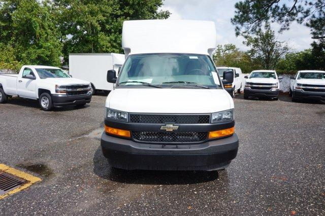 2018 Express 3500 4x2,  Supreme Cutaway Van #8G53 - photo 4