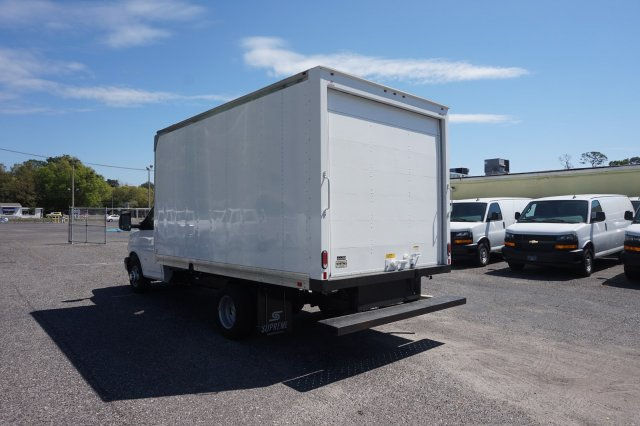 2018 Express 3500 4x2,  Supreme Cutaway Van #8G58 - photo 1